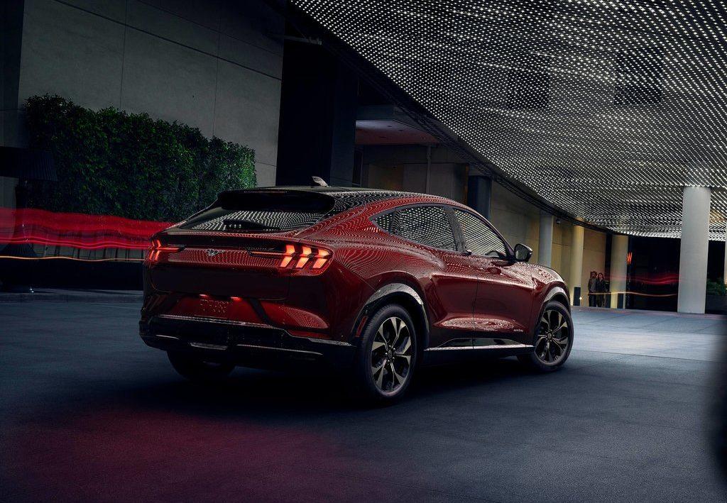Ford Mustang Mach-E vue arrière