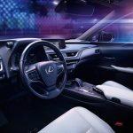 Lexus UX 300e au volant
