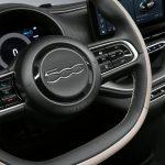 Fiat 500e 2021 volant